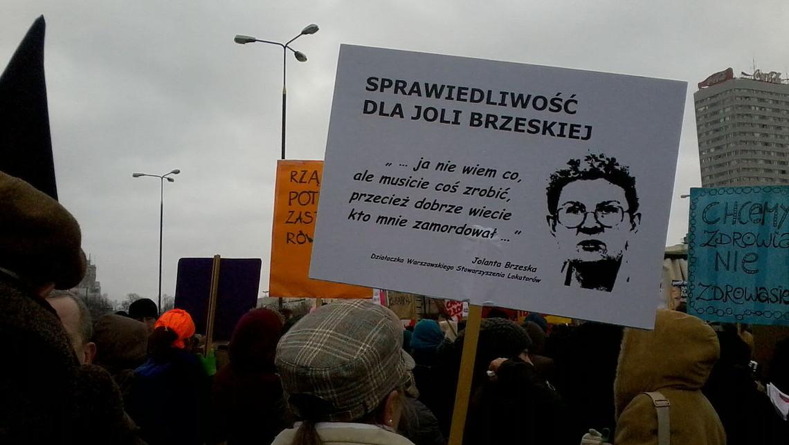 Transparent domagający się wyjaśnienia zabójstwa Jolanty Brzeskiej, warszawska Manifa 2013