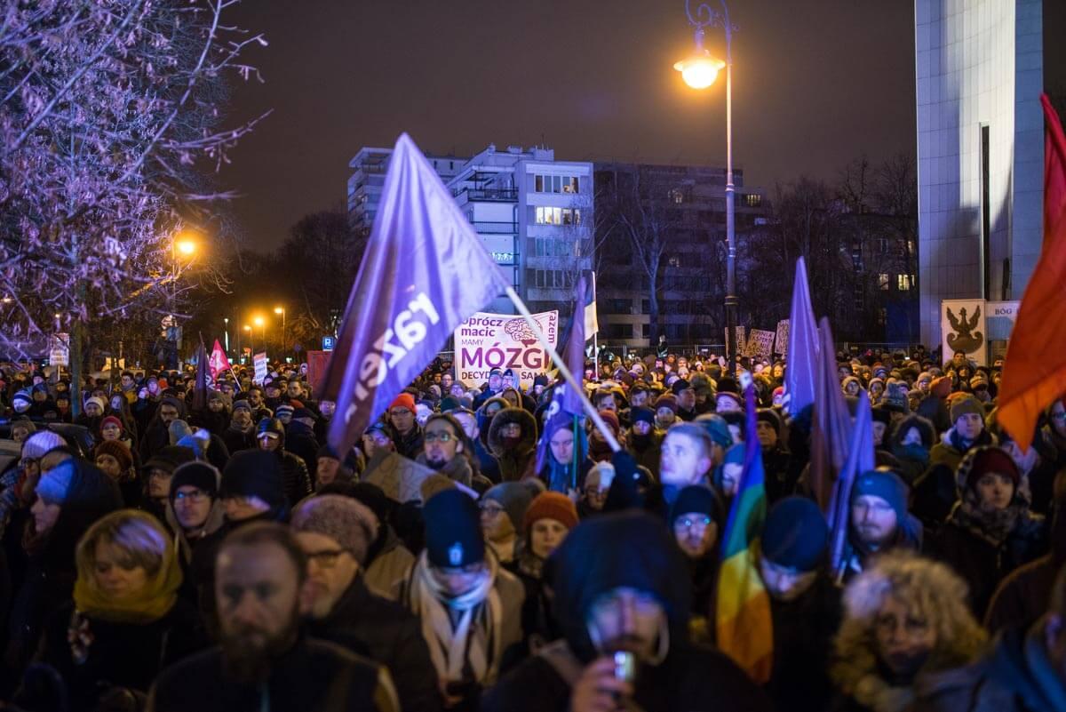 13.01.18 Demonstracja Razem po głosowaniu ws. ustawy antyaborcyjnej. Fot. Jakub Szafrański