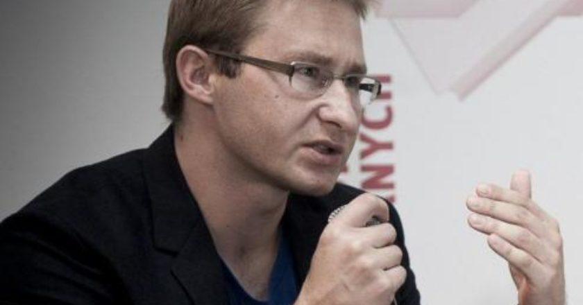 sierakowski2014