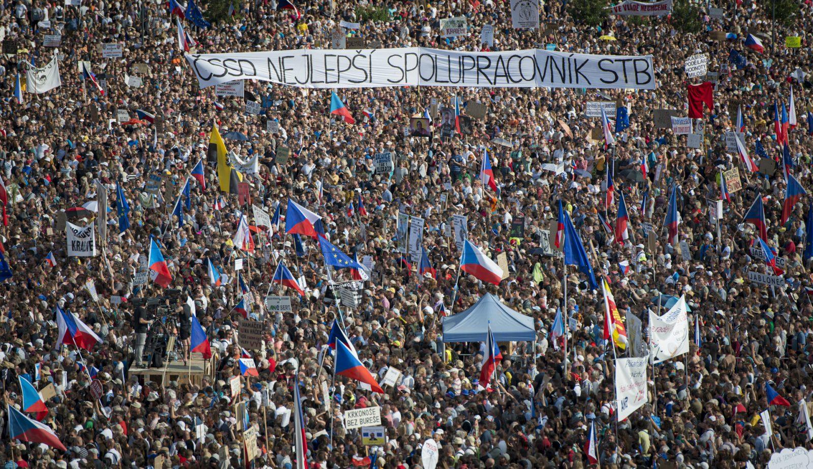 Praga-protesty-andrej-babis-2019