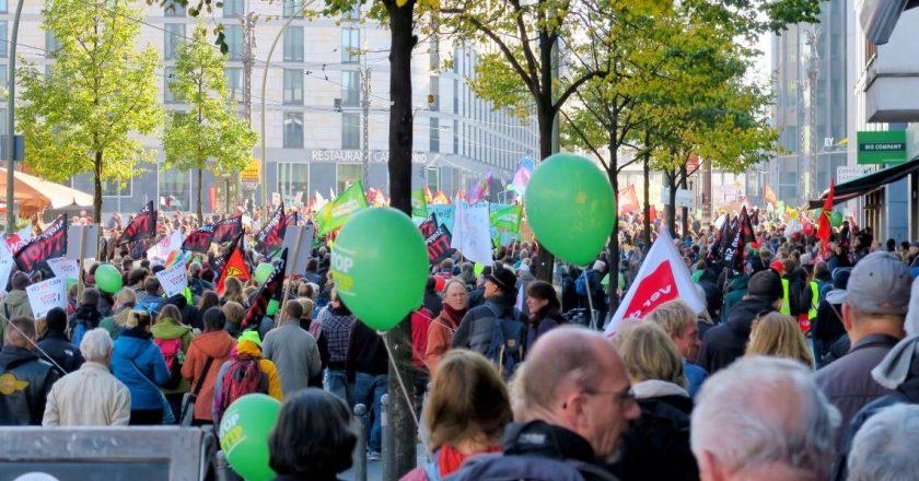 Protest przeciwko porozumieniom TTIP i CETA w Berlinie, 2015 r.