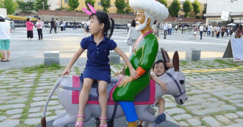 Molla-Nasreddin-The-AntiModern-Biennale-Gwangju