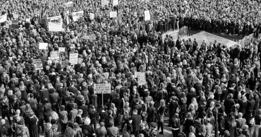 czarny-protest