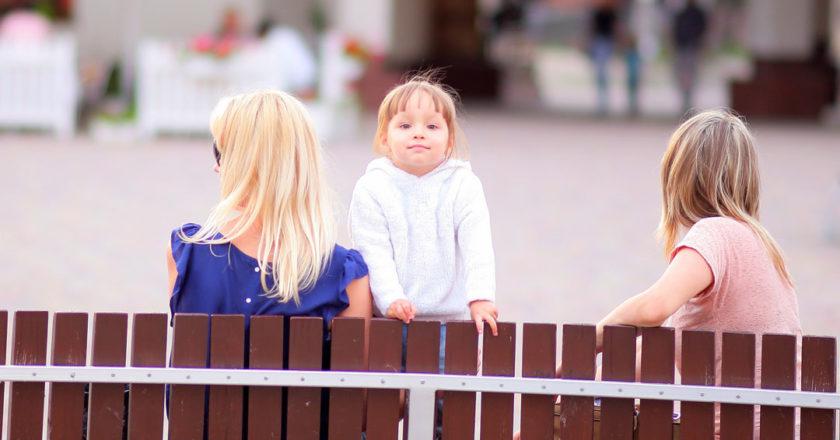 dzieci-plac-zabaw
