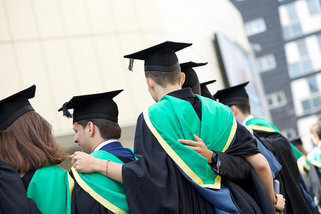 uniwersytet-studenci