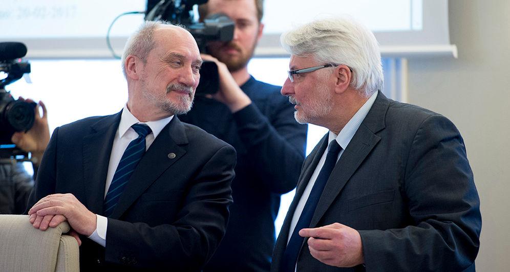 Macierewicz, Waszczykowski