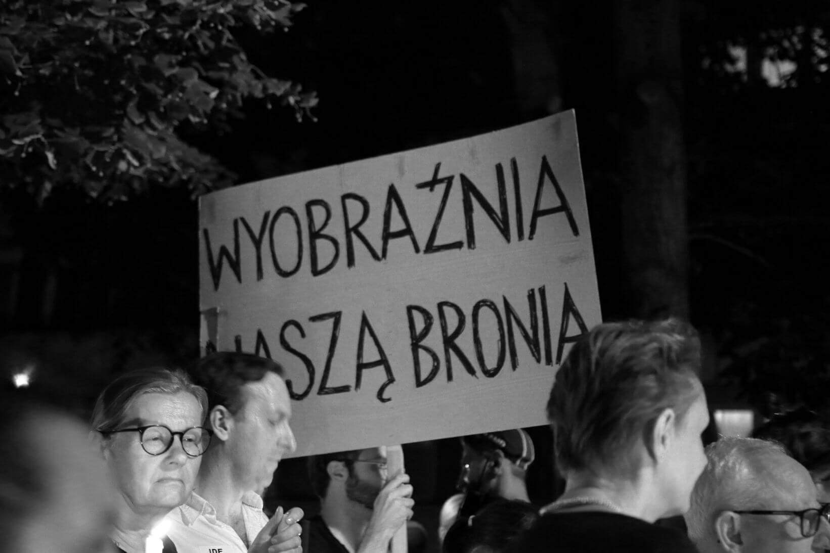 protesty-w-obronie-sadow