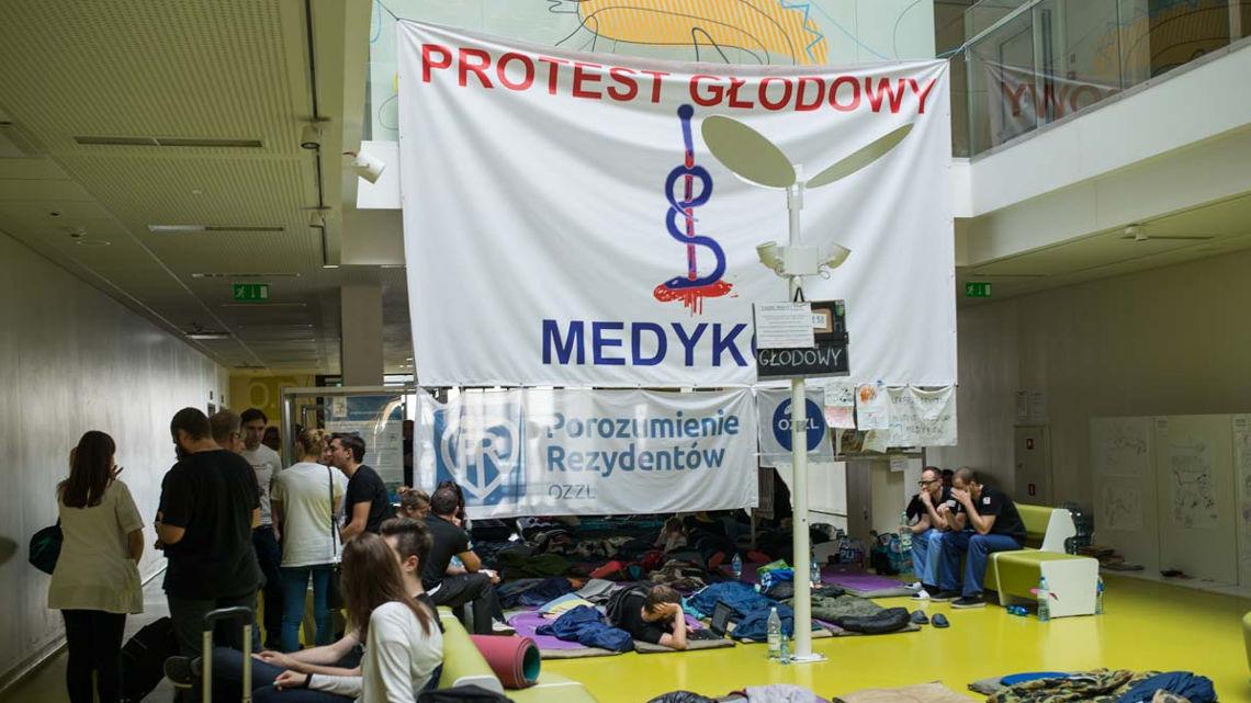 protest-lekarzy-rezydentow