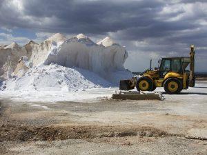 traktor-lodowiec-natura-czlowiek-wyzysk