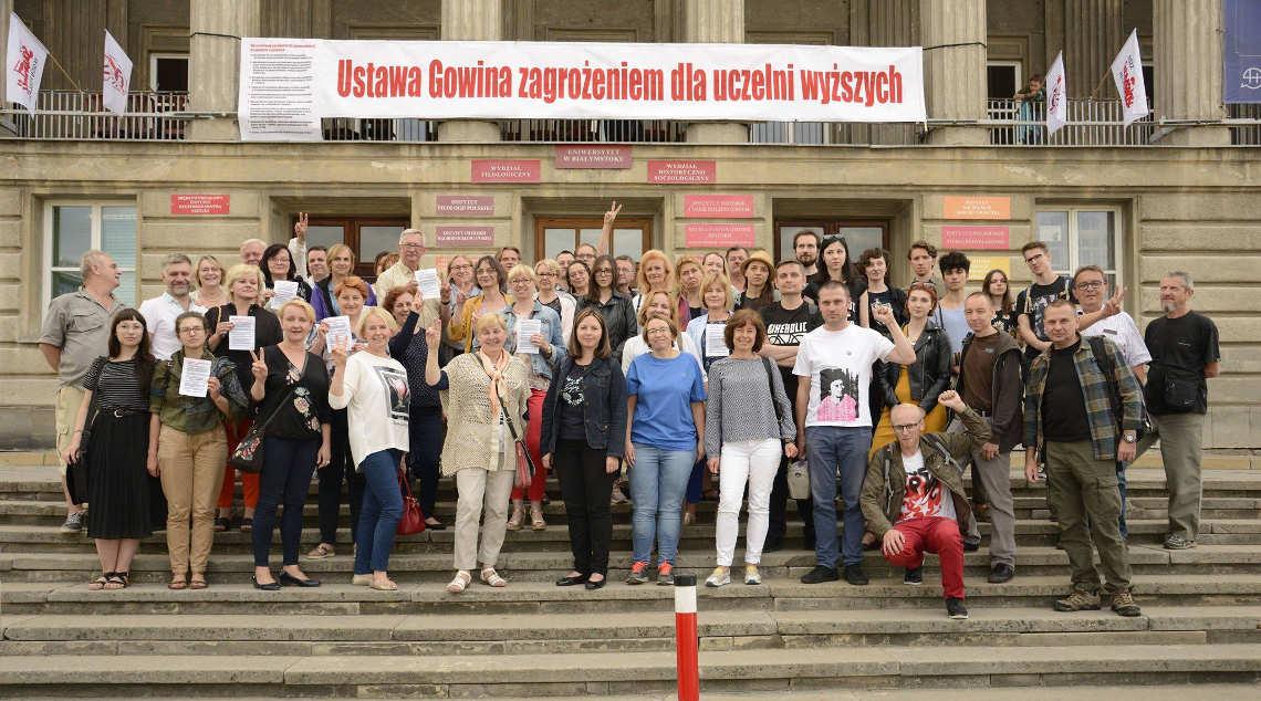 Protest na Uniwersytecie w Białymstoku. Fot. FB Kamil Mrozowicz