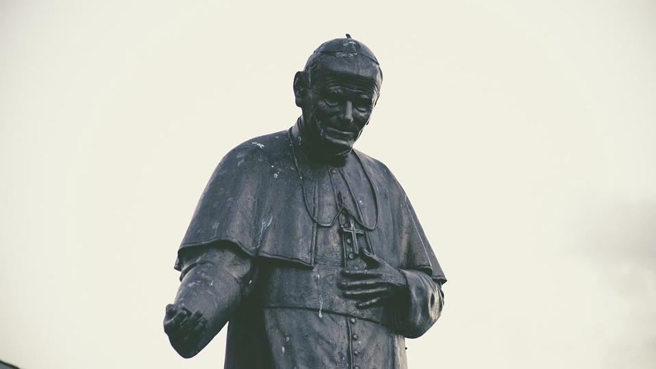jan-pawel-drugi-pomnik