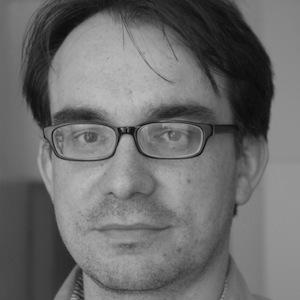 """Piotr Buras – dyrektor warszawskiego biura think tanku European Council on Foreign Relations, ekspert ds. europejskich i niemieckich. Autor książki """"Muzułmanie i inni Niemcy. Republika berlińska wymyśla się na nowo"""" (2011)."""