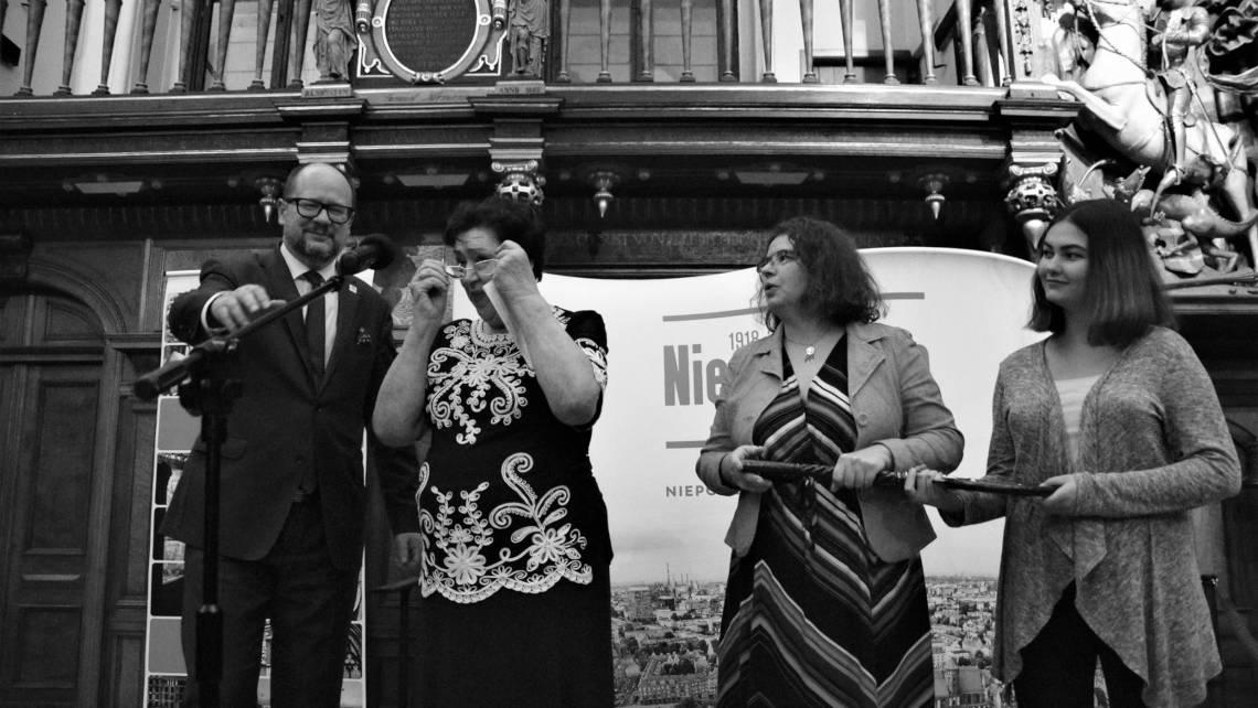 Prezydent Adamowicz przekazał kobietom klucz do miasta, 28 listopada 2018, Dwór Artusa w Gdańsku. Fot. Pamela Palma Zapata