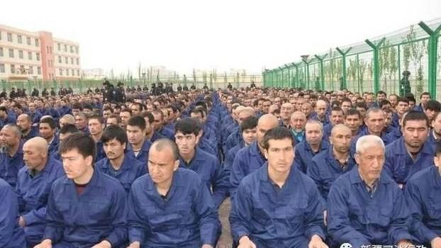 Obóz re-edukacyjny w prefekturze Hotan, kwiecień 2017. Fot. WeChat/Xinjiang Judicial Administration