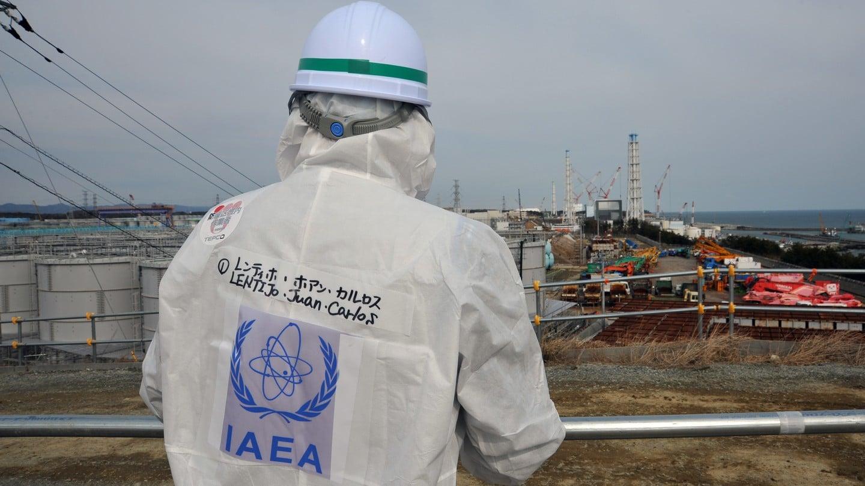 Inspektor Międzynarodowej Agencji Energii Atomowej na miejscu katastrofy w Fukushimie. Fot. Susanna Loof/IAEA